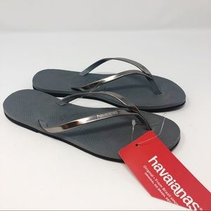 *NWT* HAVAIANAS GRAY THONG SANDALS SZ 7/8